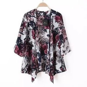 styleinthebag Tops - NEW Small Floral Kimono Top Woven