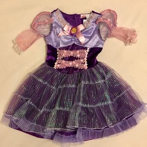 Rapunzel costume - great for Halloween!