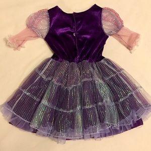 Disney Costumes - Rapunzel costume - great for Halloween!