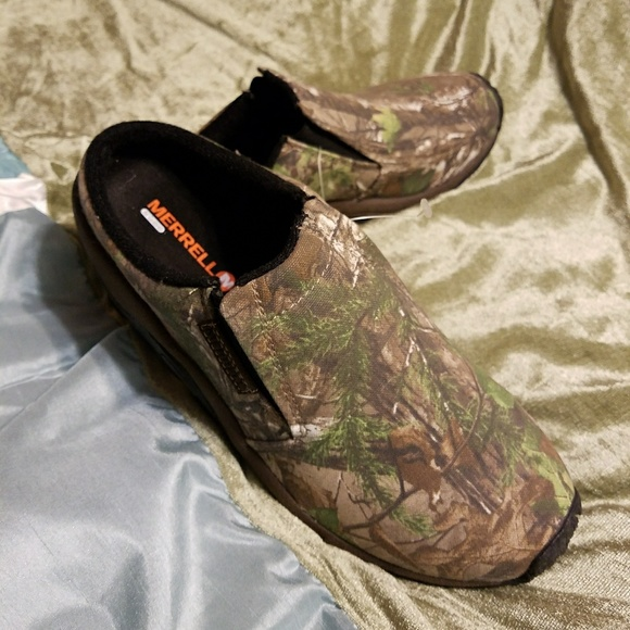75ba9cfd2d3e3 Merrell Shoes | Slip Ons | Poshmark