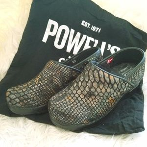 *SALE*Sanita Exclusive Snake Skin Clogs - VEGAN
