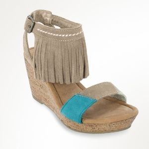 Shoes - Minnetonka Suede Leather Wedge Fringe Sandal SZ 10