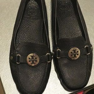 Shoes - Tory Burch black leather driving loafer
