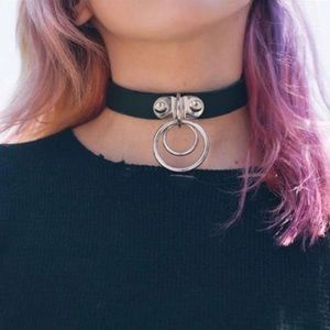Ring leather choker