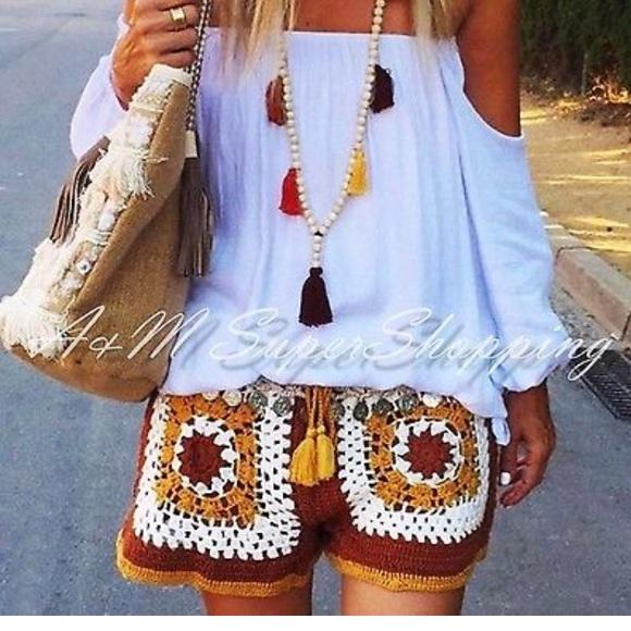 3ca39312 Zara Shorts | Hp Nwt Brown Crocheted Tassel | Poshmark