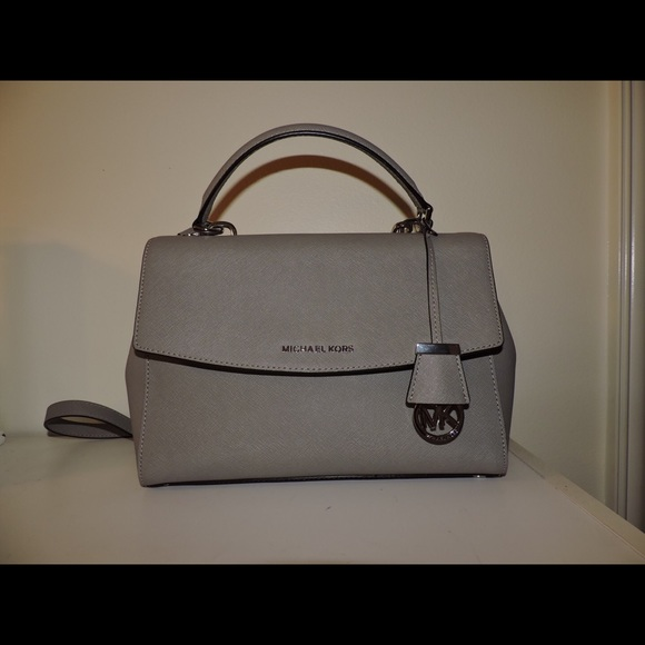 0876d38bd2ca Michael Kors Bags | Ava Medium Satchel Saffiano Leather | Poshmark