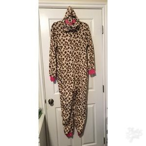 Other - LIKE NEW Leopard Jumpsuit w hood SIZE XL WOMENS