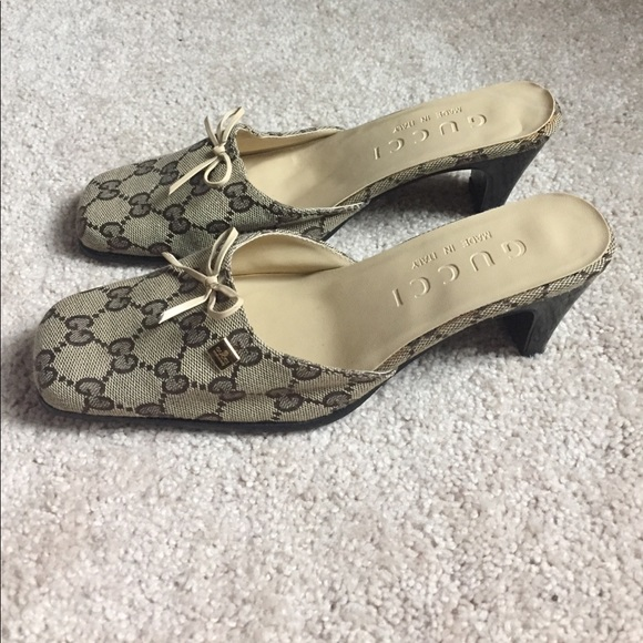 206f4c67e Gucci Shoes   Vintage Slides   Poshmark