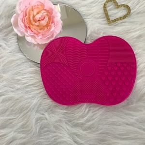 Other - Silicone Express Brush Cleaning Mat