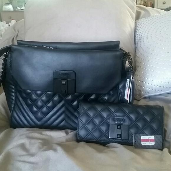 Guess Bags   Rebel Roma Black Shoulder Bag W Wallet   Poshmark ffecbb5c41