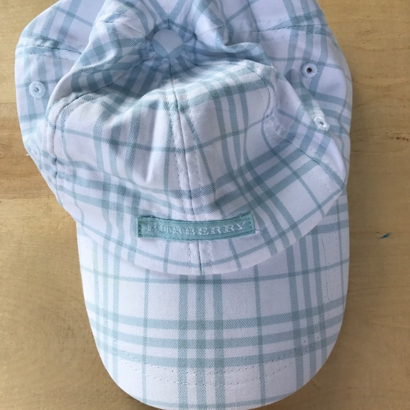 a9a3119bfff Burberry Accessories - Authentic Burberry Golf Hat