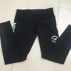 Pants - Virus Capri compression pants