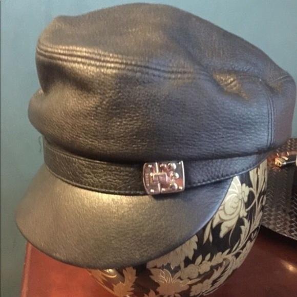 05a8be3cd52 Gucci Accessories - GUCCI NEWS BOY HAT