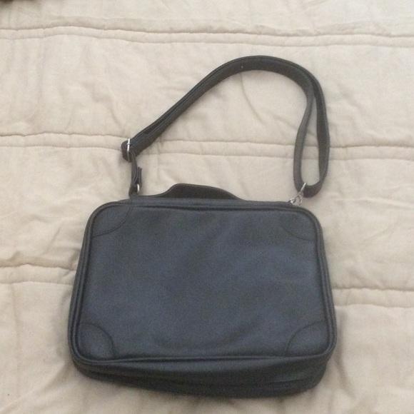 no brand name Bags   Nice Black Case   Poshmark 388e4af5a1