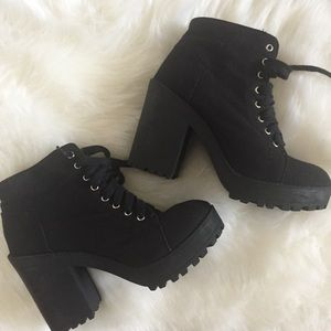 H&M black Chunky heel booties