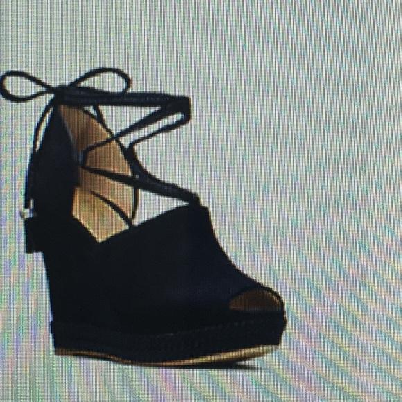 2052a79ee353 Michael Kors Shoes - Michael Kors Hastings Suede Wedge Size 8