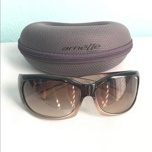 Arnette