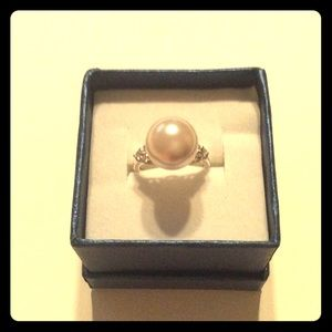 Jewelry - Faux pearl ring