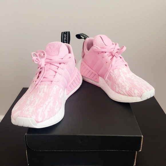 NEW adidas NMD R2 Women Size 7.5 Baby Pink White NWT