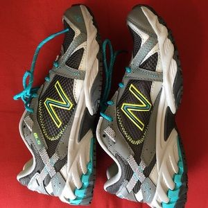 New Balance Sure Grip Running Shoes LIKE NEW!