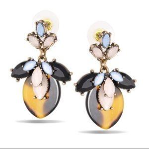 Jewelry - ✨ Tortoise Shell Dangle Earrings