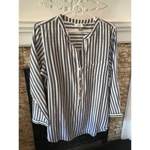 Old Navy Stripped Shirt! Never worn!