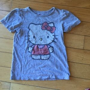 Classic HELLO KITTY T-shirt!