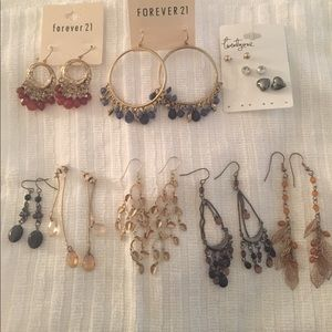 Jewelry - 8 pairs of dangling earrings - costume jewelry