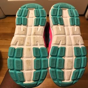 adidas Shoes - Girls Adidas!