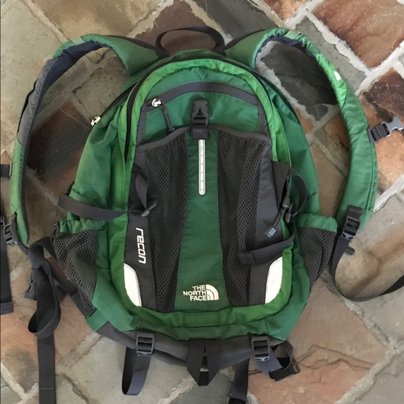 4fd95ab16 The North Face Green Recon Backpack
