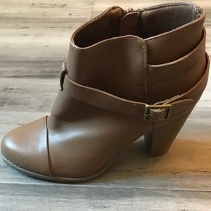 *NEW* Lauren Conrad LC Booties 9.5