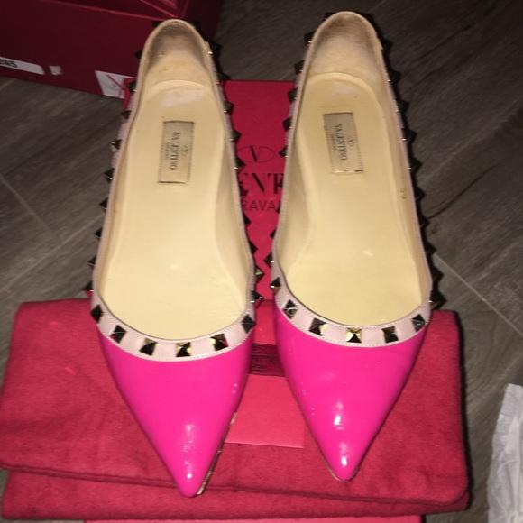 dba9c66cdae Authentic Valentino Rockstud Hot Pink Flats. M 599953de291a35ece00a973f