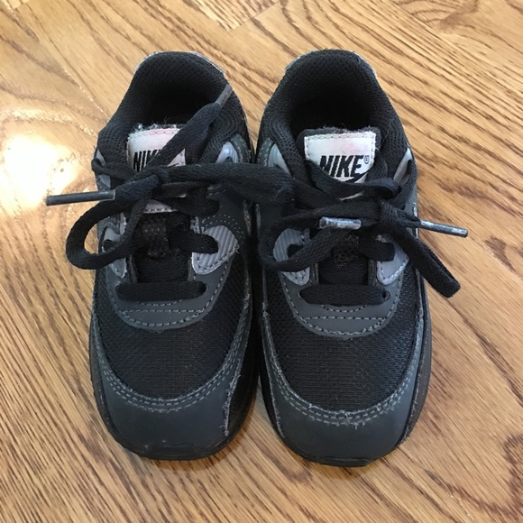 low priced efee8 738f3 Nike Air Max 90 Toddler Black w Red Nike Letters.  M599999bff09282413d0b17df