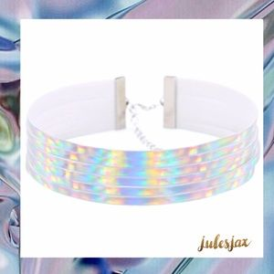 Jewelry - Multi layer silver holographic choker necklace