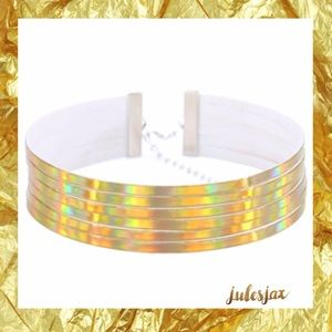 Jewelry - Multi layer gold holographic choker necklace