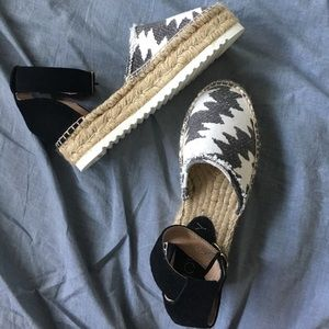 Cute and comfy! Espadrilles