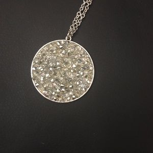 Jewelry - SPARKLY Silver Circle Pendant Necklace