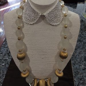 Jewelry - Glass bead and gold necklace