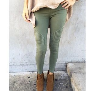 New ✨Olive Moto Leggings