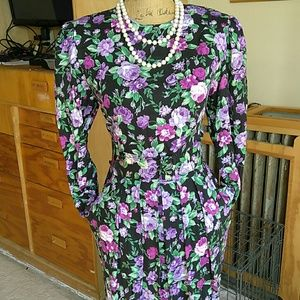 KARIN STEVENS BEAUTIFUL FLOWER DRESS