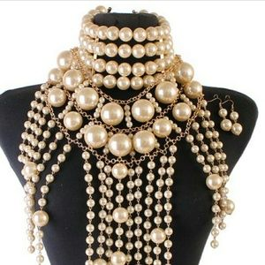 Jewelry - PEARL CHUNKY 3 IN 1 NECKLACE