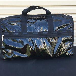Le Sportsac Large Weekender Duffle + cosmetic bag