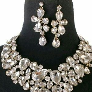 Jewelry - RHINESTONE NECKLACE & EARRING