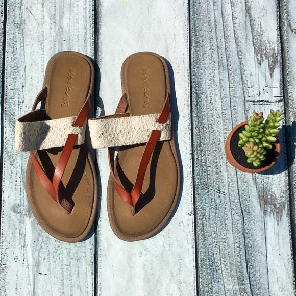 ea079ea0e58ffd Maui Island flip flops w  brown   crochet straps. M 5999f1f9c28456fe770cf063