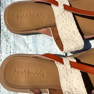 d4ebba6ac0efe0 Maui Island Shoes - Maui Island flip flops w  brown   crochet straps