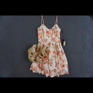 | FOREVER 21 | floral mini flowy dress