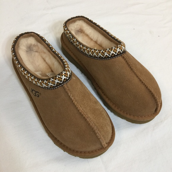 7b3fc6461d8 UGG kids Tasman slippers in Chestnut NWOT