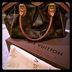 💥Louis Vuitton Tivoli 💣