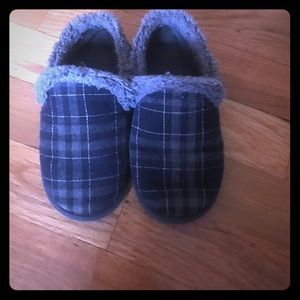 Other - Cozy Boys toddler  slippers- size 9/10