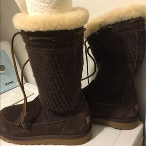 brown sweater uggs